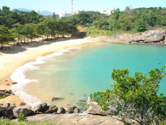 Praia dos Padres, uma das praias desertas de Guarapari